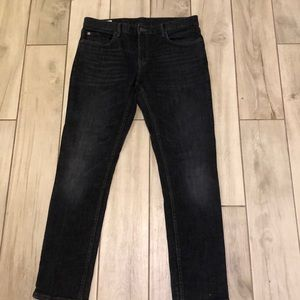 Great condition dark wash 33x32 skinny jeans BR